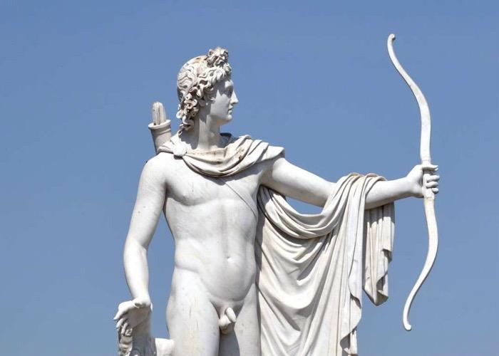 Apollo thần của cung tên bạc