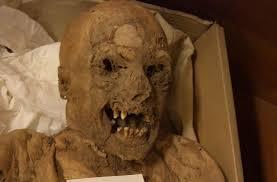 tôi đã ở dưới mộ hơn 5000 năm rồi, xác ướp nói