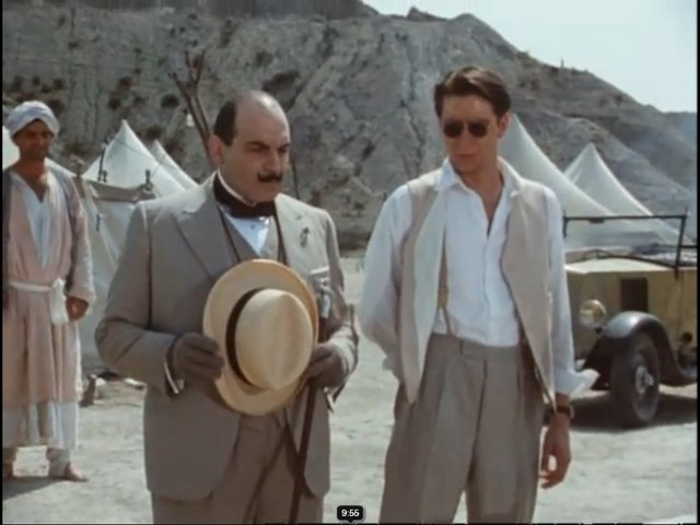 tham tu Poirot va dai uy Hastings tai dia diem khai quat mo